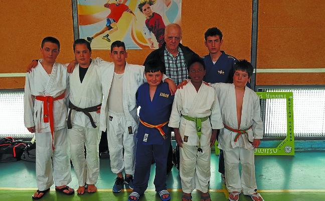 El Kalamua regresa del Torneo francés de Tarnos con cuatro oros en judo y jiu jitsu