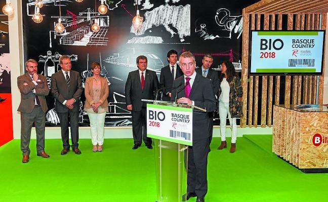El aeropuerto de Hondarribia busca atraer nuevos vuelos en el congreso de conectividad