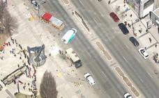 El conductor de una camioneta mata a diez personas al embestir a varios peatones en Toronto