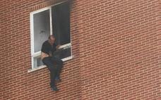Decretan prisión sin fianza para el arrasatearra detenido por el doble crimen de Vitoria