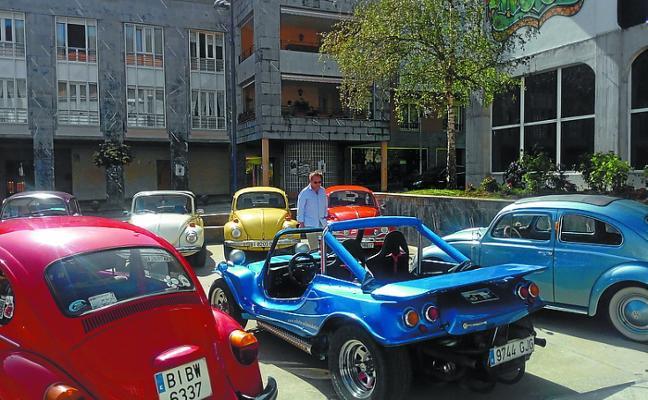 Exposición de coches que marcaron una época
