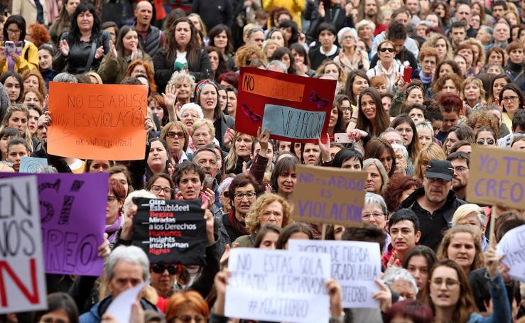 Nueva concentración en Donostia contra la condena a 'La Manada'