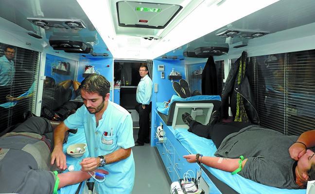 El Banco de Sangre anima a donar a los voluntarios que no lo han hecho en el último año