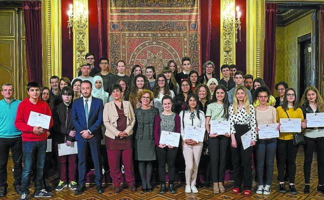 Entrega de diplomas del programa Jakin-mina