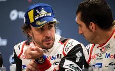 Alonso: «Me quedaría toda la noche en el podio»