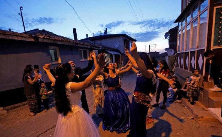 Kakava, el festival que nace del río y del fuego