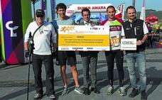 Kemen recibió los 700 euros recaudados con el dorsal solidario