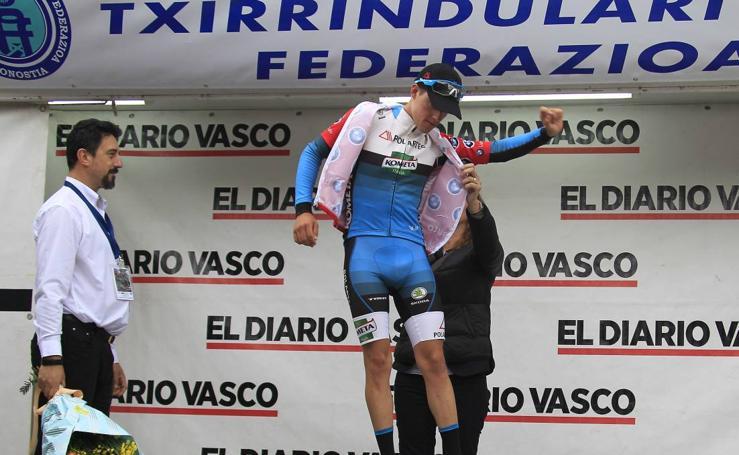 Imágenes de la primera etapa de la Vuelta al Bidasoa