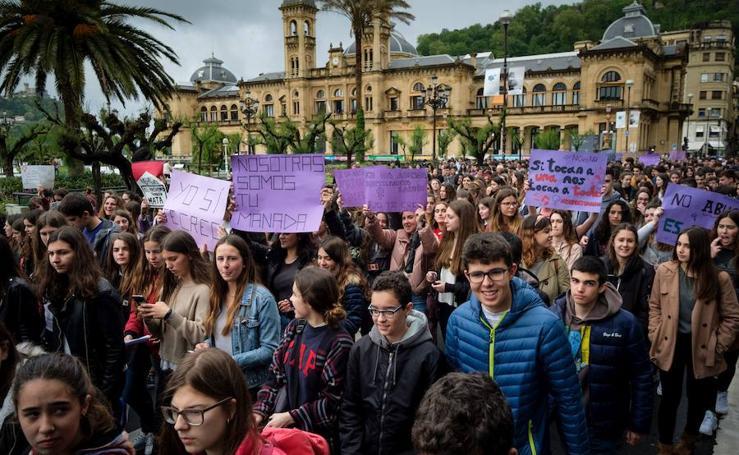 Movilización de estudiantes en Donostia contra la sentencia de 'La Manada'