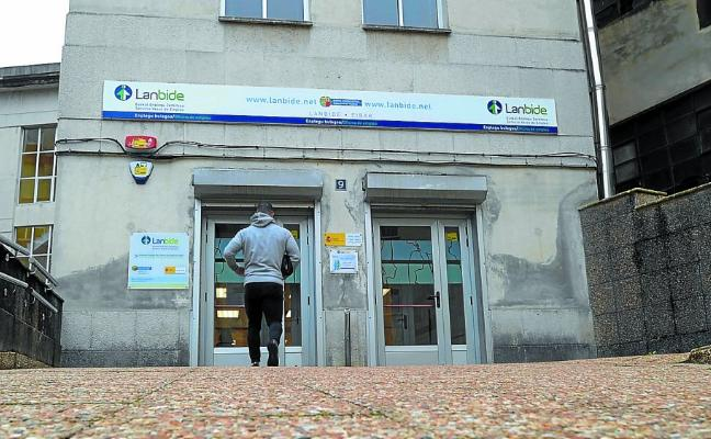Sindicatos y comunidades piden una ayuda al desempleo que no se limite a los parados