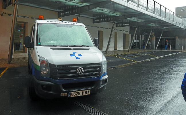 Sustituyen las ambulancias quemadas para atender el servicio