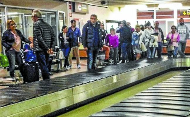 Cerca de 50.000 viajeros ya han elegido volar desde el aeropuerto de Foronda en lo que va de año