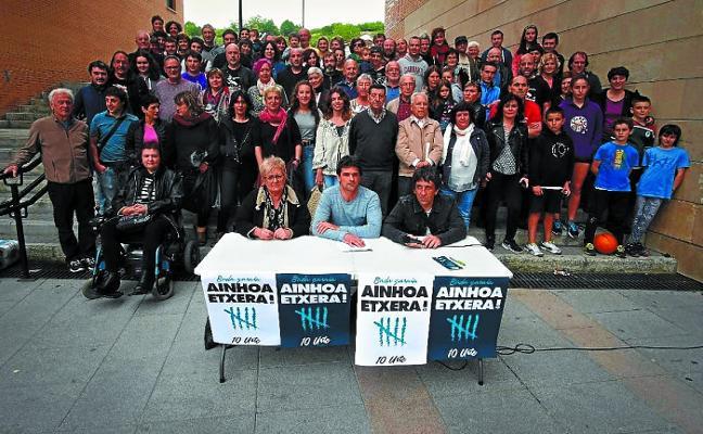 Un grupo de vecinos organiza varios actos de apoyo a la presa Ainhoa Ozaeta