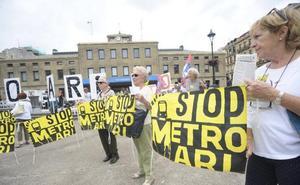 Miembros de la cultura donostiarra protagonizan un vídeo contra la pasante del metro