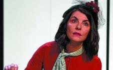 Ana Fernández: «La sociedad nos dice cómo tenemos que pensar y vivir»