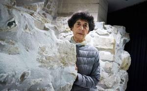 Esther Ferrer presenta una performance en el Guggenheim