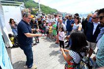 El festival Marítimo de Pasaia recibe a cientos de curiosos