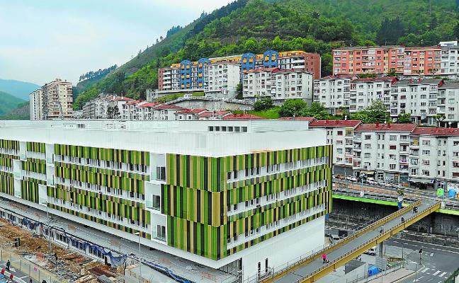 El Ayuntamiento pedirá la reversión de los centros de salud de Amaña y de Ipurua