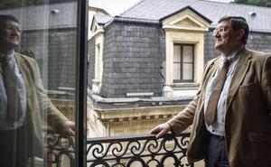 «Eskema politikoek ez dute balio euskara batuaren prozesua esplikatzeko»