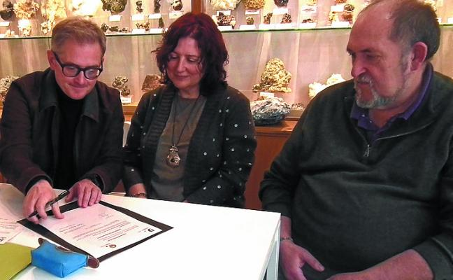 Urrelur celebra el Día de los Museos ampliando sus fondos con una donación