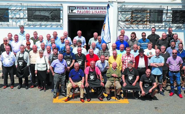La peña taurina Palomo Linares celebró la fiesta de su 51 aniversario