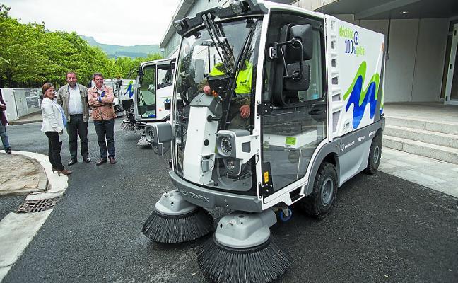 Servicios de Txingudi electrifica también las barredoras mecánicas