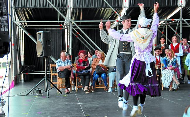 Los dantzaris de Lezo se impusieron en Trintxerpe