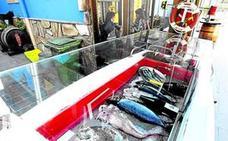 Asaltan un restaurante de Bizkaia, cocinan pescado y dejan las raspas