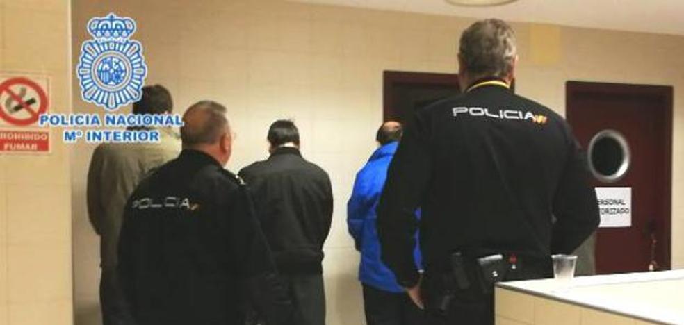 Cuatro detenidos en Gipuzkoa por una estafa en internet a 348 personas