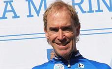 Neil Stephens: «Si no ocurre un desastre, Simon Yates ganará el Giro»