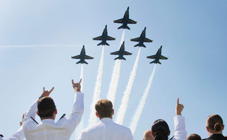 Graduación en la Academia Naval de Annapolis
