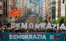 Alcaldes vascos apoyan la cadena humana pro-consulta soberanista en Euskadi