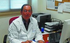 Ricardo Hueso: «Soy médico y tuve que pasar consulta con mi escolta»
