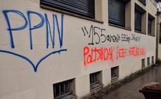 El PNV denuncia pintadas insultantes en Oñati y exige a EH Bildu que las condene