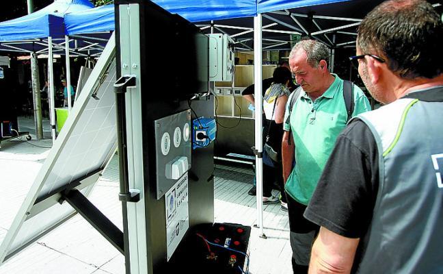 Una Feria abrió ayer en la Alameda la II Semana de la Energía de Errenteria