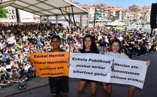 Lekeitio se vuelca con la fiesta de la escuela pública