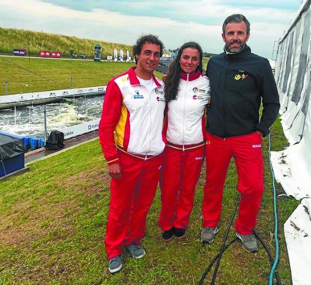 Crespo y Olazabal, con el entrenador Taberna, en Cracovia./