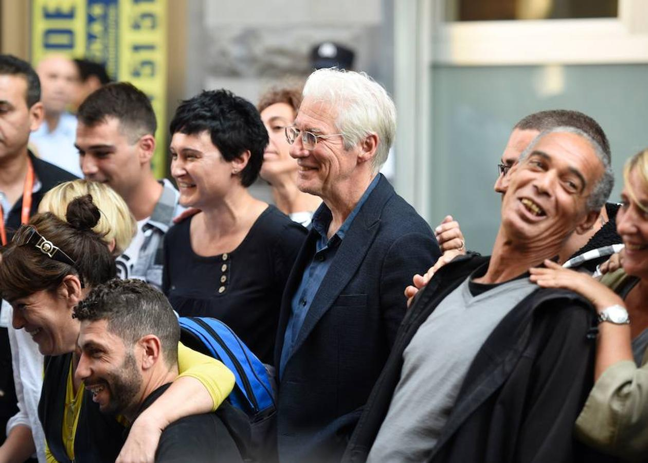 Richard Gere, en su faceta más solidaria