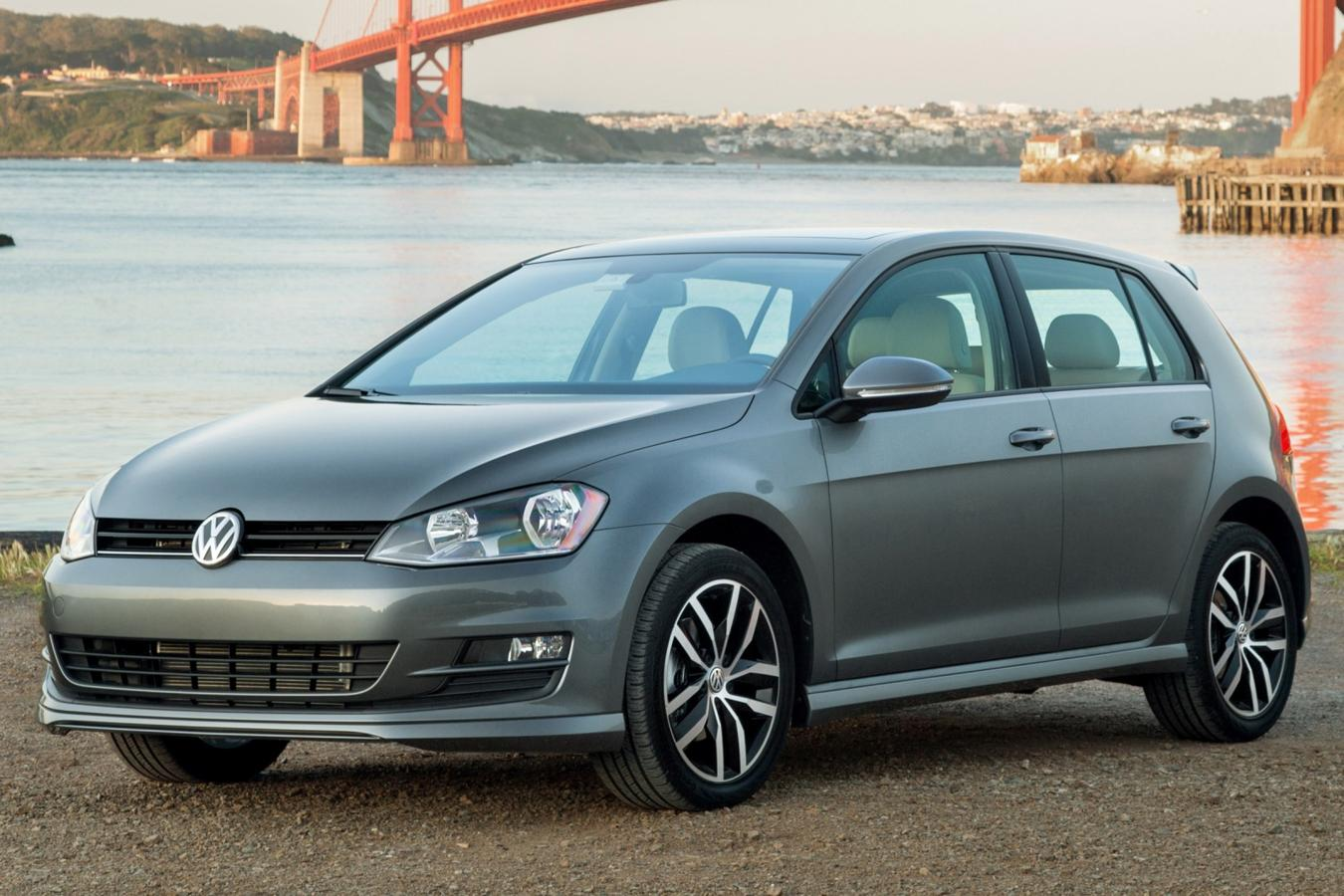 #4 Volkswagen GOLF
