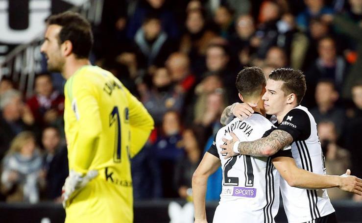 La Real Sociedad cae en Mestalla
