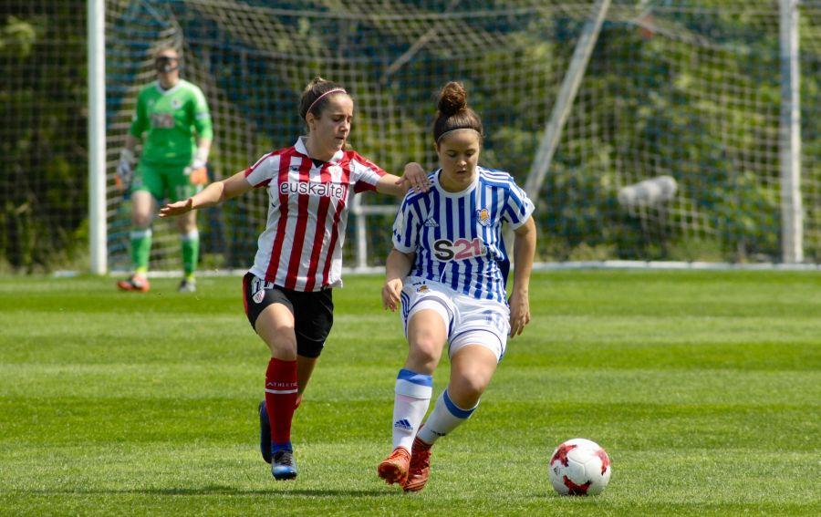 Los equipos femeninos de la Real Sociedad y el Athletic se enfrentan en Zubieta