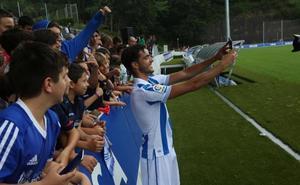 La afición txuri-urdin recibe al nuevo jugador