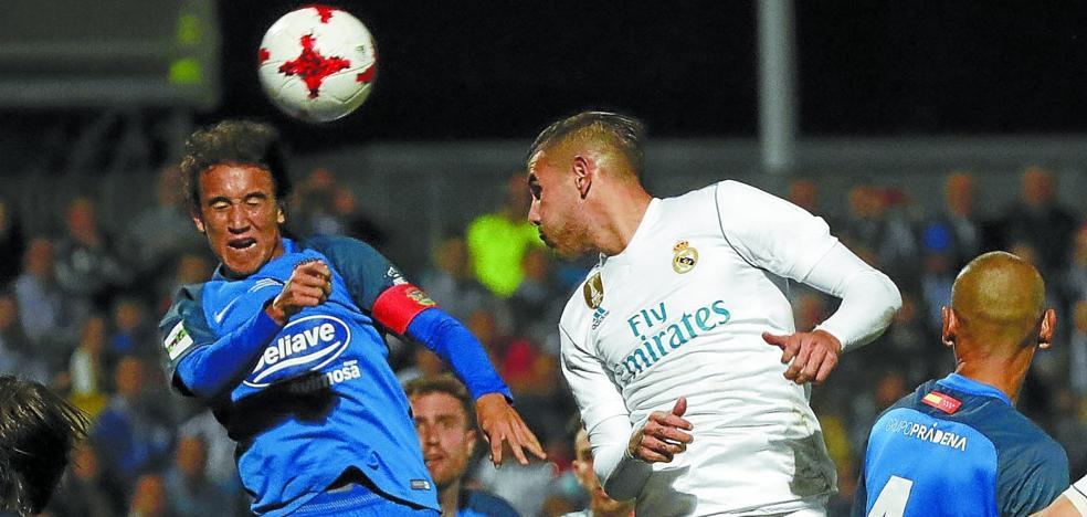 Primeros contactos entre la Real Sociedad y el Real Madrid por Theo Hernández