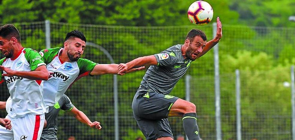 Abonados a la derrota: el uno a uno del Real Sociedad 1 - Alavés 2