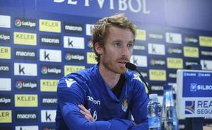 Zurutuza: «Los partidos contra el Barça siempre se nos han dado bien»