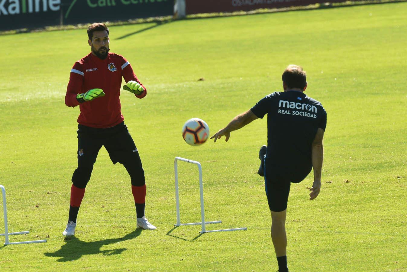 Garitano solo ha podido contar con nueve jugadores y dos porteros