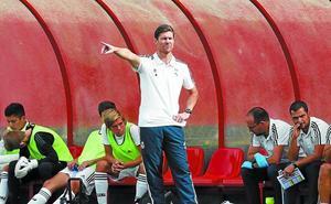 Xabi Alonso se estrena con victoria como entrenador