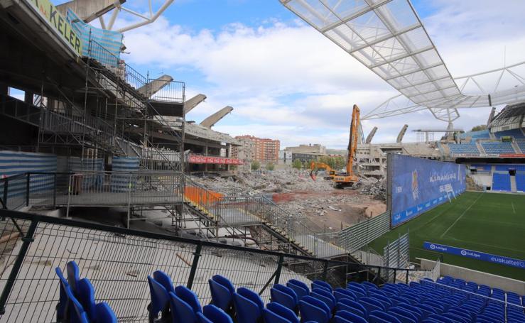 La tribuna norte de Anoeta, casi demolida