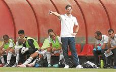 La Real Sociedad ofrece a Xabi Alonso entrenar en la base si viene a vivir a San Sebastián