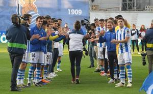 Anoeta homenajea a las campeonas de la Copa de la Reina en una fiesta redonda